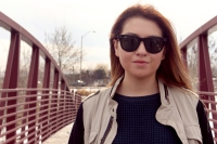 amanda portrait on bridge